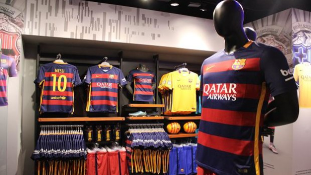 Grupo Martí inaugura la primera tienda oficial del FC Barcelona. Top ... 09f759c9374