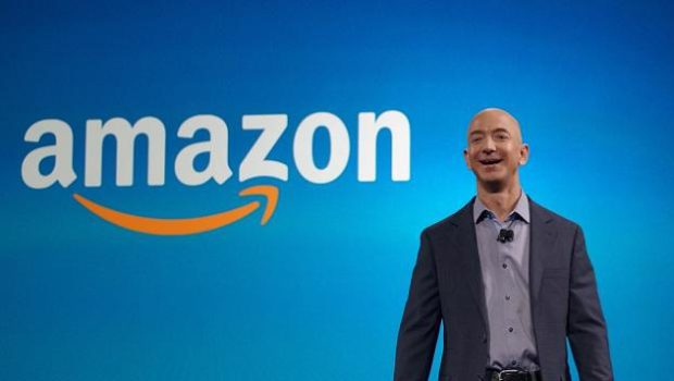 JEFF BEZOS, AMAZON, BLOOMBERG NEWS